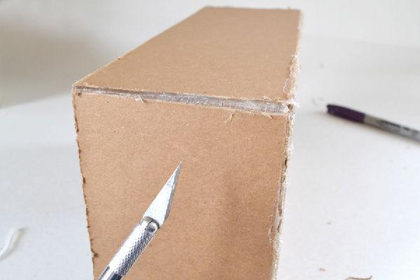 Cách 2  hộp nhử mối B4